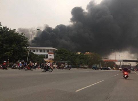 Cháy nhà máy Viglacera Vĩnh Yên - 2