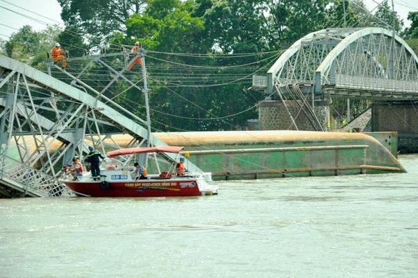 Sập cầu Ghềnh: Hàng nghìn hành khách kẹt ở ga Biên Hòa - 1