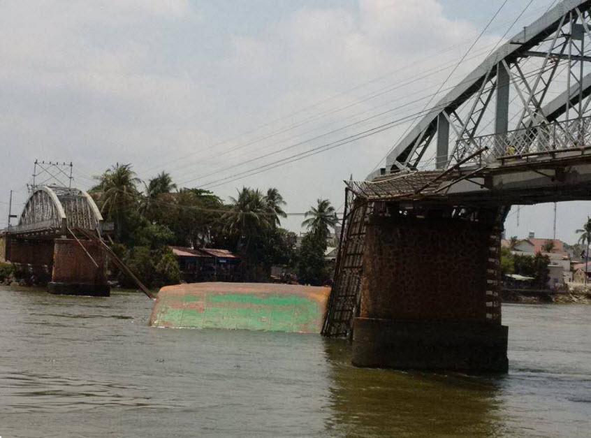 Sập cầu Ghềnh: Hàng nghìn hành khách kẹt ở ga Biên Hòa - 4