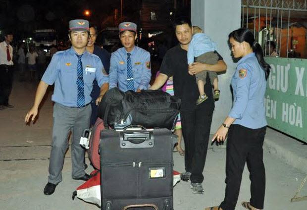 Sập cầu Ghềnh: Hàng nghìn hành khách kẹt ở ga Biên Hòa - 3