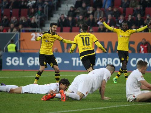 """Augsburg - Dortmund: Không """"Người dơi"""", không sao - 1"""