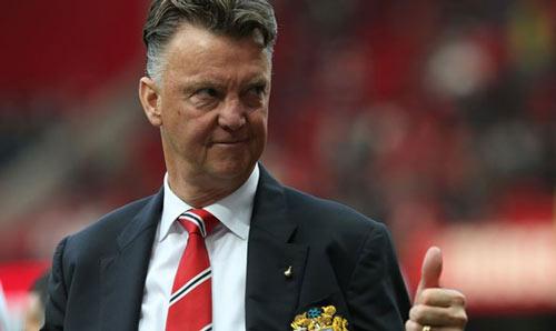 MU thắng derby, Van Gaal tự tin vào tốp 4 - 1