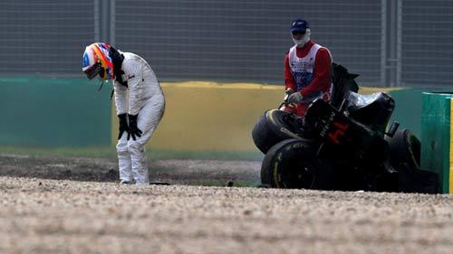 F1, Australian GP: Ferrari trả giá vì sai lầm - 1