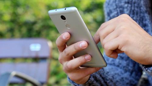 Top smartphone cấu hình cao giá rẻ đáng mua tháng 3 - 3