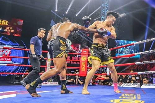 """""""Hoàng tử Muay Thái"""" đả bại SAO võ thuật Trung Quốc - 4"""