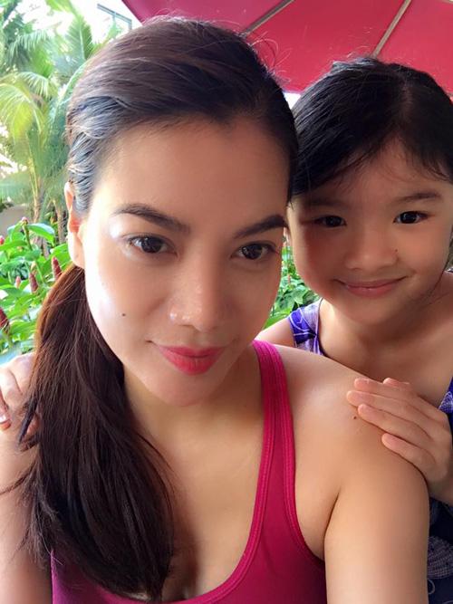 Facebook sao 21.3: Elly Trần trổ tài mẹ đảm - 14