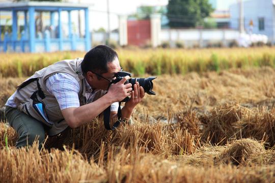 Nhà báo Nhật thị sát hạn mặn ở ĐBSCL - 1