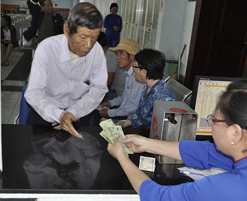 Cầu Ghềnh sập, hành khách lũ lượt trả vé ở ga Sài Gòn - 1