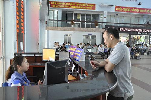 Cầu Ghềnh sập, hành khách lũ lượt trả vé ở ga Sài Gòn - 6