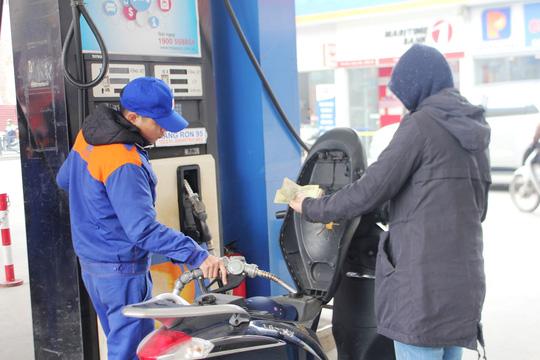 Tăng giá xăng dầu hôm nay - 1