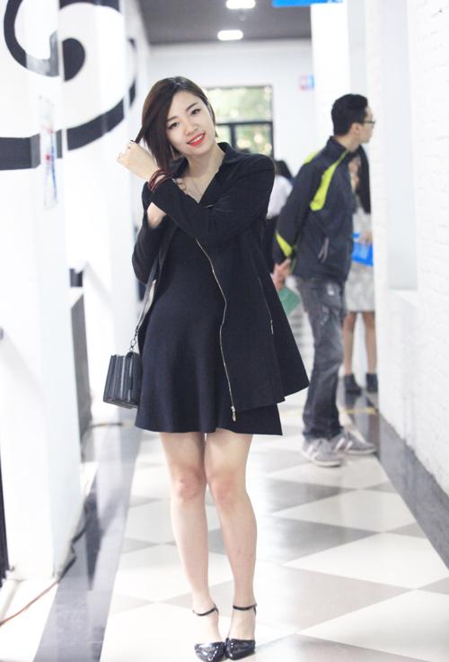 Tín đồ thời trang Hà Nội cá tính với tóc nhuộm rực rỡ - 15