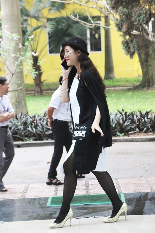 Tín đồ thời trang Hà Nội cá tính với tóc nhuộm rực rỡ - 7