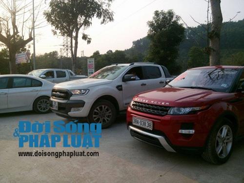 Cận cảnh dàn xe siêu sang tại đám cưới làng ở Hà Tĩnh - 6