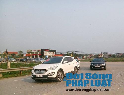 Cận cảnh dàn xe siêu sang tại đám cưới làng ở Hà Tĩnh - 7