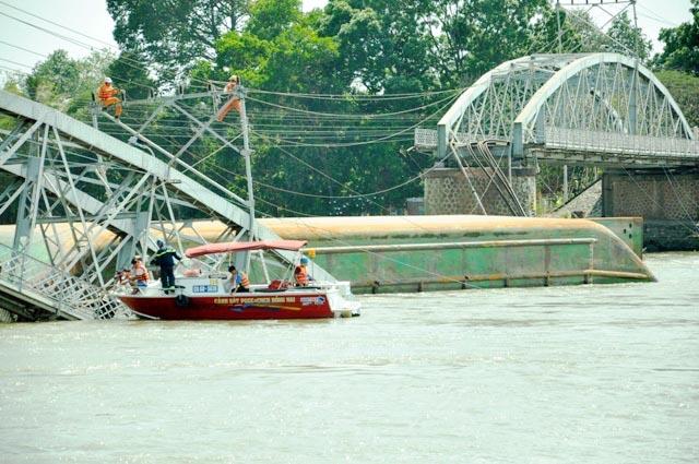 Đã xác định được vị trí dầm cầu Ghềnh dưới lòng sông - 3