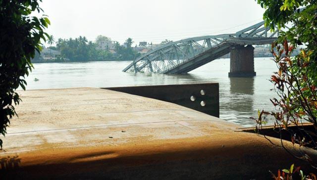 Đã xác định được vị trí dầm cầu Ghềnh dưới lòng sông - 10