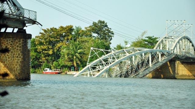 Đã xác định được vị trí dầm cầu Ghềnh dưới lòng sông - 5