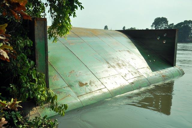Đã xác định được vị trí dầm cầu Ghềnh dưới lòng sông - 9