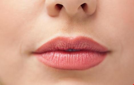Năm dấu hiệu trên môi bạn không bao giờ nên bỏ qua - 1