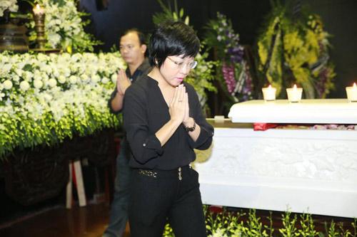 """Lễ tang nhạc sĩ Thanh Tùng: """"Tiễn bố về với mẹ, chào bố"""" - 22"""