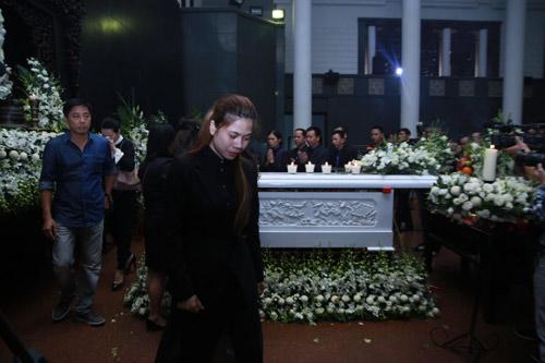 """Lễ tang nhạc sĩ Thanh Tùng: """"Tiễn bố về với mẹ, chào bố"""" - 14"""