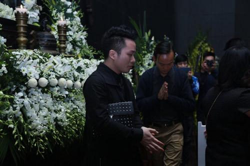"""Lễ tang nhạc sĩ Thanh Tùng: """"Tiễn bố về với mẹ, chào bố"""" - 17"""