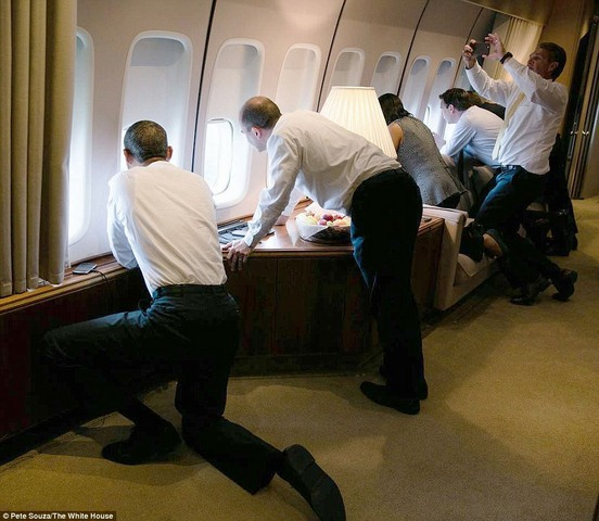 Tiểu thư nhà Obama trổ tài phiên dịch cho bố ở Cuba - 4