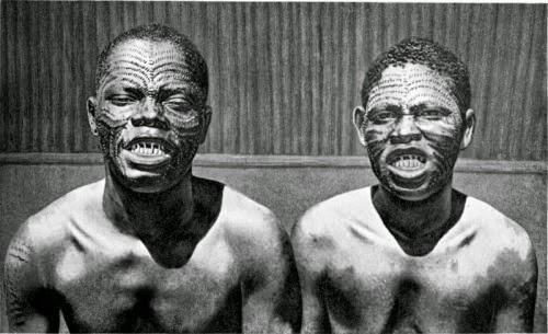Rùng mình những bộ tộc ăn thịt người ghê rợn - 14