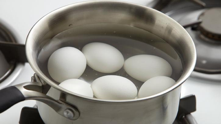 5 sai lầm khi luộc trứng mà ai cũng mắc phải - 2