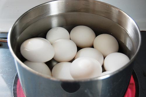 5 sai lầm khi luộc trứng mà ai cũng mắc phải - 1