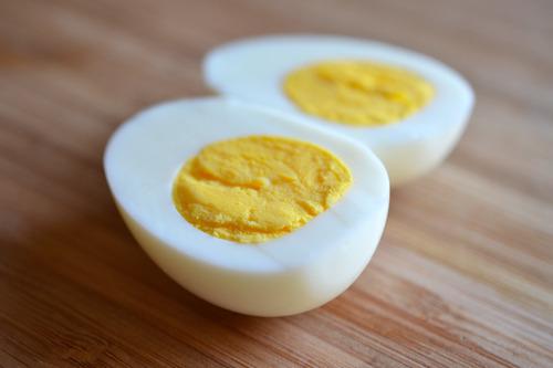5 sai lầm khi luộc trứng mà ai cũng mắc phải - 4