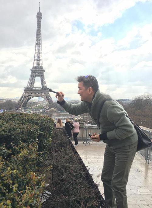 """Mr. Đàm hài hước """"trang điểm"""" cho tháp Eiffel - 3"""