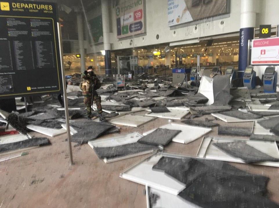 Đánh bom khủng bố liên tiếp ở Bỉ, ít nhất 34 người chết - 8