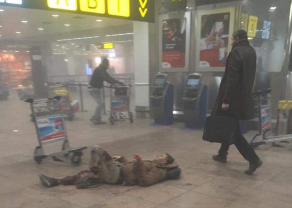 Đánh bom khủng bố liên tiếp ở Bỉ, ít nhất 34 người chết - 10