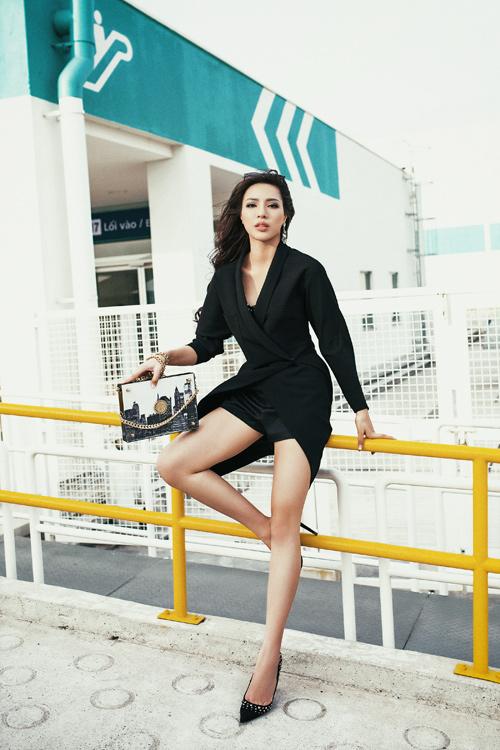 Giải Vàng Siêu mẫu Khả Trang khoe cặp chân dài 1m19 - 5