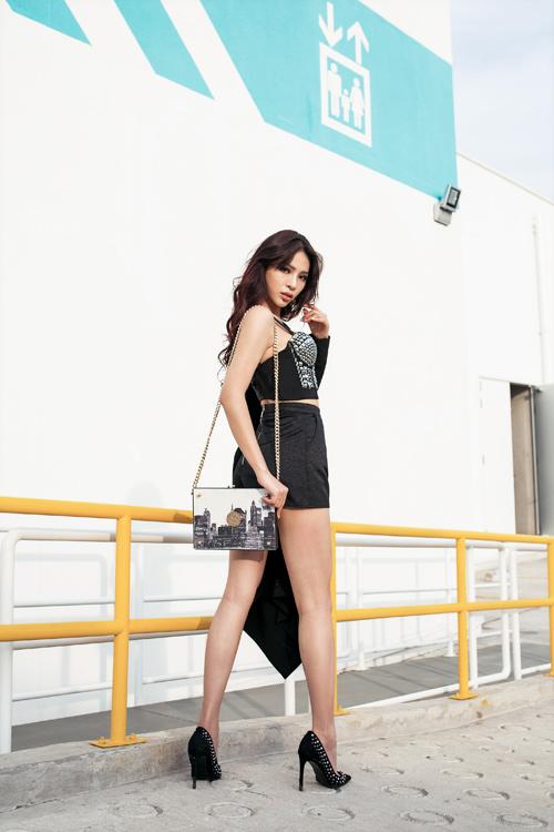 Giải Vàng Siêu mẫu Khả Trang khoe cặp chân dài 1m19 - 8