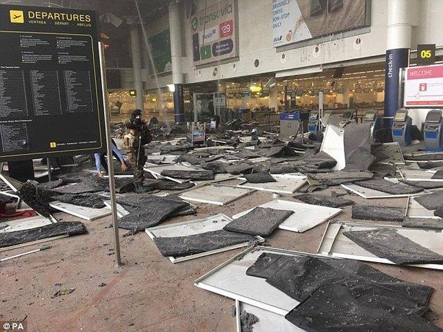 Ảnh: Hiện trường đẫm máu vụ khủng bố liên hoàn ở Bỉ - 2