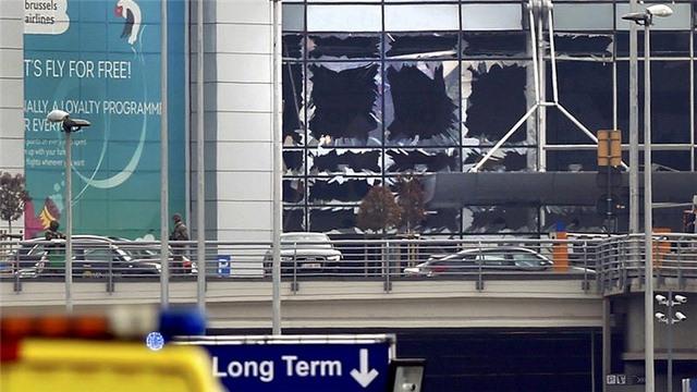 Ảnh: Hiện trường đẫm máu vụ khủng bố liên hoàn ở Bỉ - 6