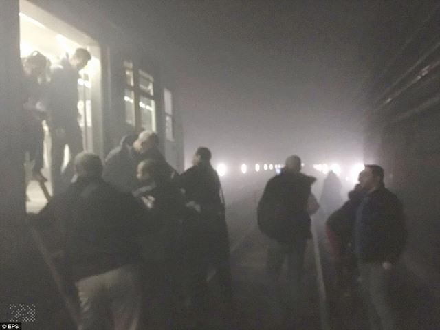 Ảnh: Hiện trường đẫm máu vụ khủng bố liên hoàn ở Bỉ - 13
