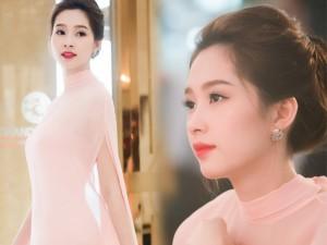 Hoa hậu Thu Thảo đẹp như tiên nữ khi tới Hà Nội