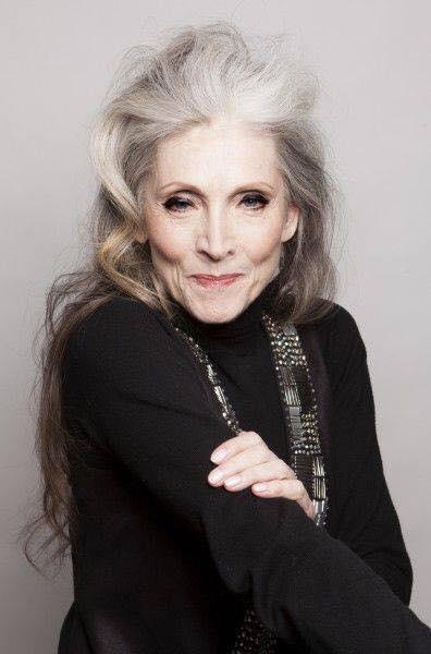 Vẻ đẹp khó rời mắt của các quý bà tóc bạc trắng - 15