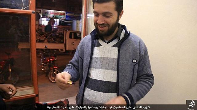 """IS phát kẹo """"mừng"""" vụ khủng bố liên hoàn Bỉ - 4"""