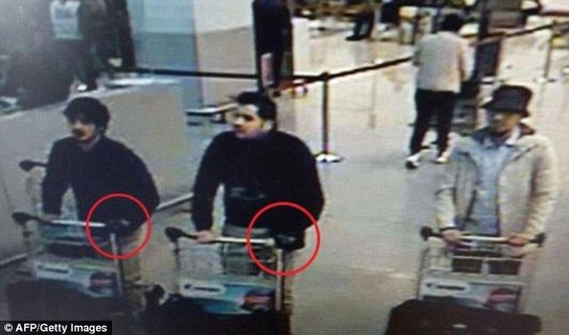 """IS phát kẹo """"mừng"""" vụ khủng bố liên hoàn Bỉ - 5"""