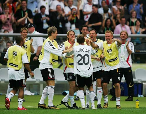"""Beckenbauer bị tố dùng quỹ đen """"mua"""" World Cup 2006 - 2"""