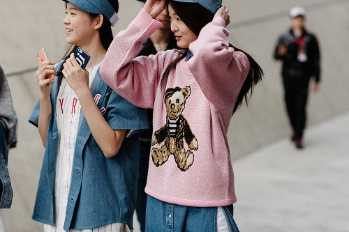 Tuần lễ thời trang Seoul: Sôi động và ứng dụng cao - 10