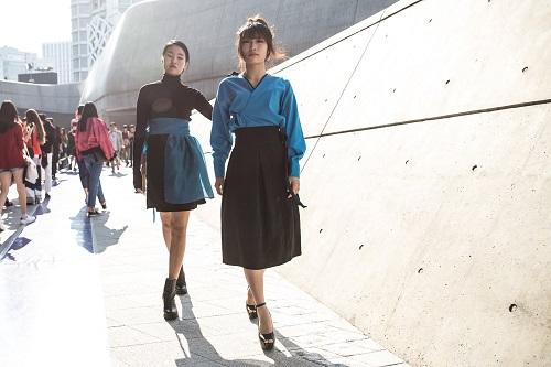 Tuần lễ thời trang Seoul: Sôi động và ứng dụng cao - 13
