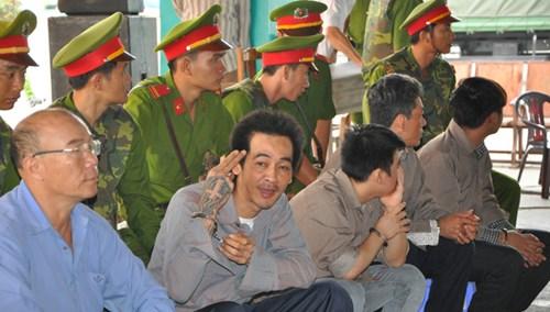 Gần 100 cảnh sát bảo vệ phiên tòa xử giang hồ Phú Quốc - 2
