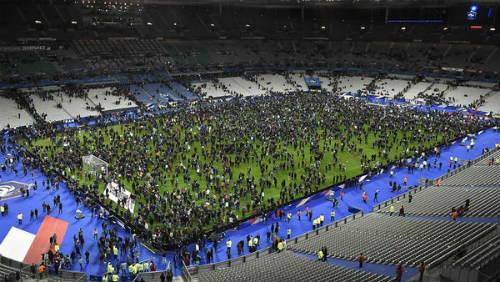 """Lo sợ khủng bố, Euro 2016 có thể phải thi đấu """"kín"""" - 2"""