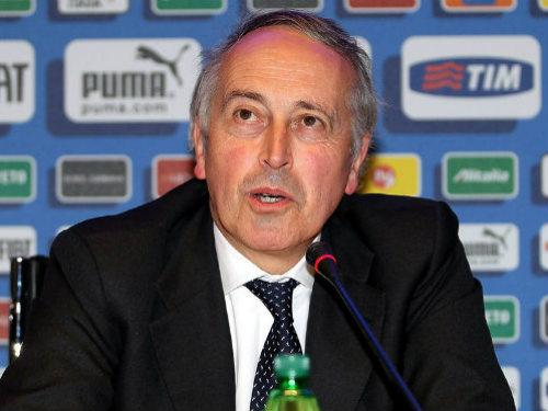 """Lo sợ khủng bố, Euro 2016 có thể phải thi đấu """"kín"""" - 1"""