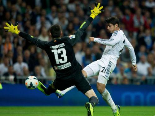 Real: Trục lợi từ Morata, dồn tiền mua Courtois - 2
